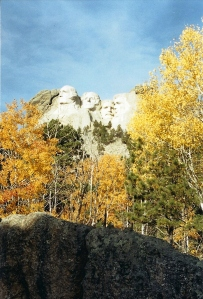 Driving into the Mt Rushmore area